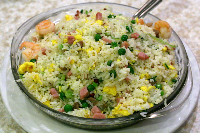 2986792630_e9aa6d1701_z.jpg Young Chow Fried Rice