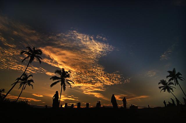 Merry Xmas ! Happy Holidays !! Season's Greetings !!! No Beach Parties in Goa in 2008.