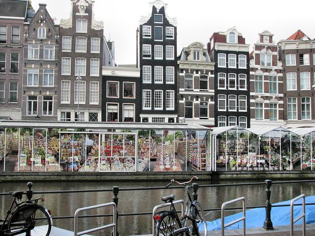 Bloemenmarkt (flower market) floating in the Singel