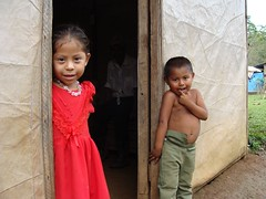 Kids in front of their house at Monte de Cristo