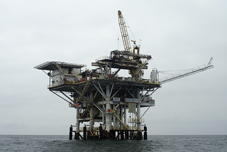 Gina Oil Platform, by Erik.Nielsen.Photos on Flickr, reused under CC licence