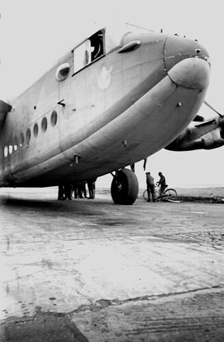 Avro York f3.5 1/20 sec w/wide angle Elmar 06