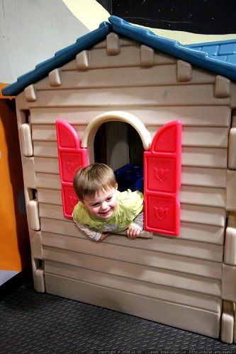 playing house with enthusiasm    MG 2289