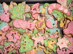 flower(0.0), icing(0.0), dessert(0.0), peeps(1.0), sweetness(1.0), cookies and crackers(1.0), food(1.0), cookie(1.0), snack food(1.0), pink(1.0),