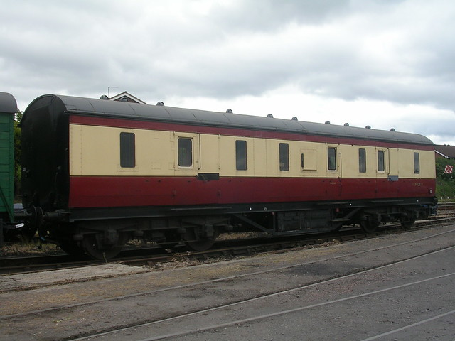 DSCN7553 - LMS Gangwayed Full Brake Carriage 31420