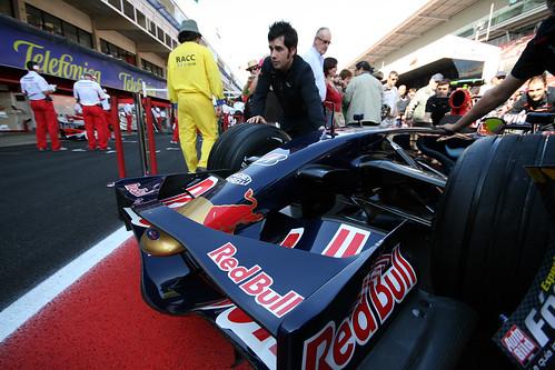 Red Bull cerca ingegneri ad alta carica adrenalinica$