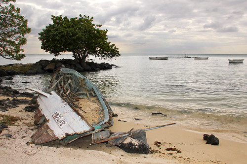 ocean sunset sea beach clouds island boat maurice indianocean ile shore tropical wreck mauritius wreckage 550d montchoisy