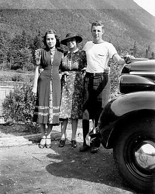1938 - Elizabeth, Gretchin, and Harry Crovo Jr