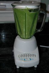 kitchen appliance(1.0), smoothie(1.0), food(1.0), blender(1.0), drink(1.0), juice(1.0), small appliance(1.0),