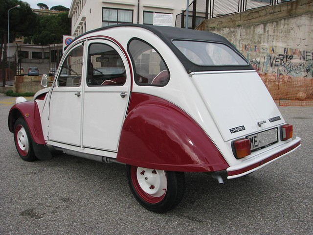 flickr citroen 2 cv ceci n 39 est pas una voiture. Black Bedroom Furniture Sets. Home Design Ideas