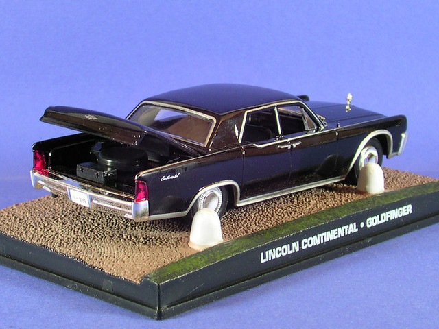 les voitures de james bond 007 lincoln continental 1964 goldfinger flickr photo sharing. Black Bedroom Furniture Sets. Home Design Ideas
