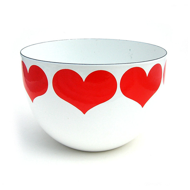 Arabia, Finland 'Finel' heart bowl
