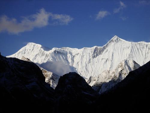 nepal mountain peak summit himalaya annapurna naar phu nar phugaon
