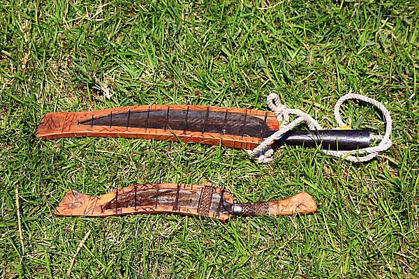 1U12布農族文物-獸刀