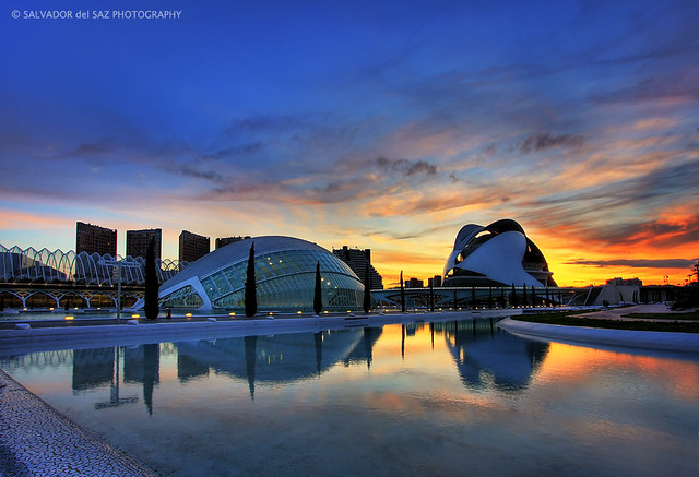 Sunset at the City of Arts and Sciences (Two photos for celebrating my 2nd anniversary in Flickr 2/2)