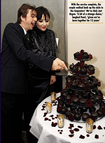Black wedding cupcakes See Cupcakes Take the Cake for more cupcake photos