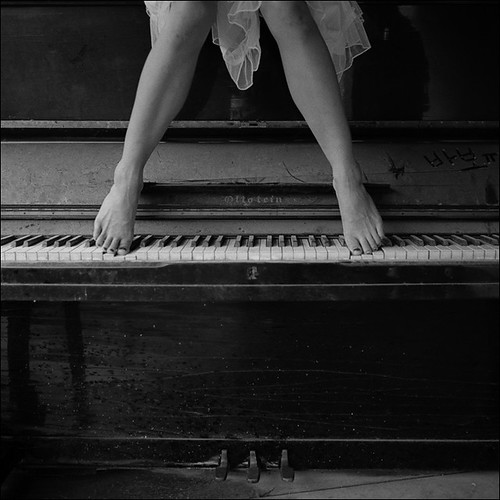 Dancing on the piano #4