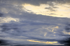 horizon(0.0), cumulus(0.0), red sky at morning(0.0), sun(0.0), dusk(0.0), dawn(0.0), sunset(0.0), cloud(1.0), sunlight(1.0), evening(1.0), daytime(1.0), sky(1.0), sunrise(1.0), afterglow(1.0),