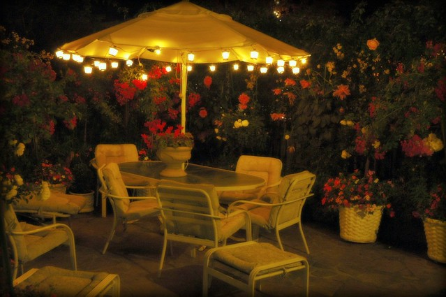 Small Umbrella Table Decorations