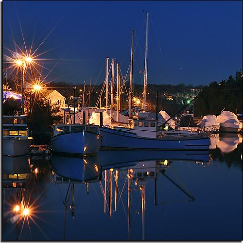 fish canada night 50mm lights evening boat fishing nikon novascotia dusk lobster bluehour nikkor halifax starburst hmb hbm d90 capeislander f18d ayc armdale mondayblues niftyfifty sooc armdaleyachtclub purcellscove exceptsquarecropdropshadow dsc0846nef