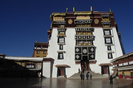 Centre of Lhasa, Dec 2007
