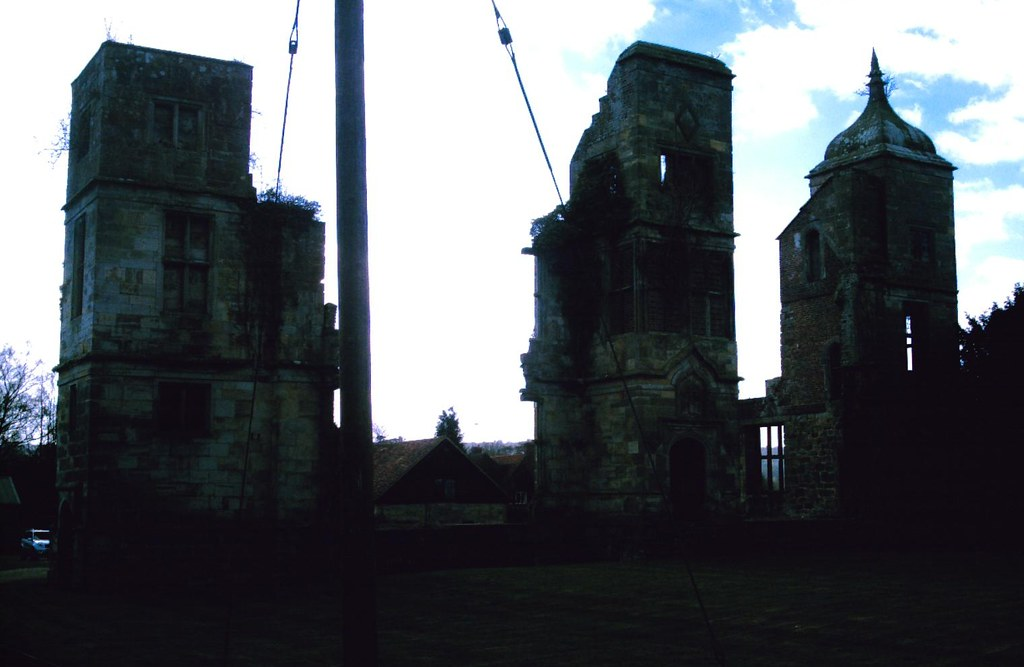 East Grinstead Circular The ruins of Brambletye House. D.Allen Vivitar 5199mp