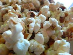 produce(0.0), kettle corn(1.0), food(1.0), dish(1.0), snack food(1.0), popcorn(1.0),