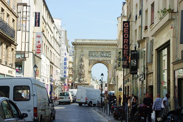 Paris quartier du sentier rue et porte saint denis 4 flickr photo sharing - Quartier du sentier paris ...