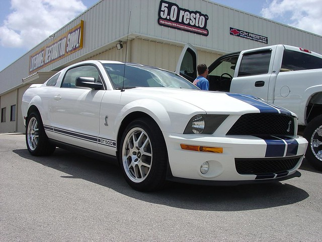 White 2008 Ford Mustang Shelby Gt500 With Blue Racing