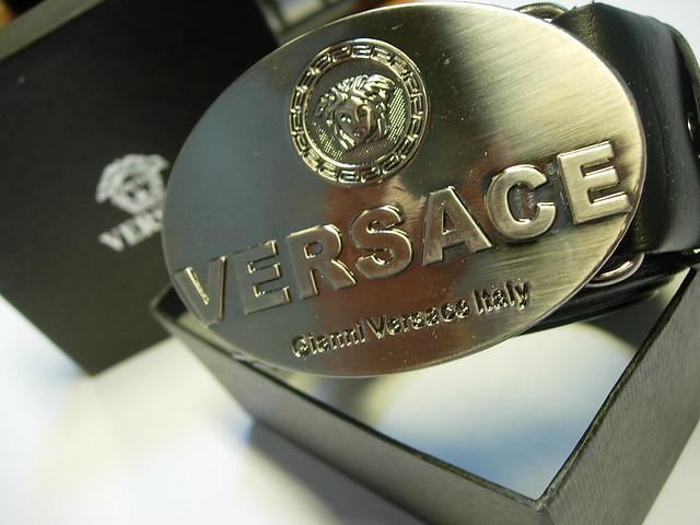 Contrefaçon de ceinture Versace