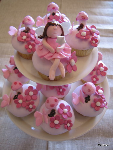 Fairy cupcakes flickr photo sharing for How to make fairy cupcakes