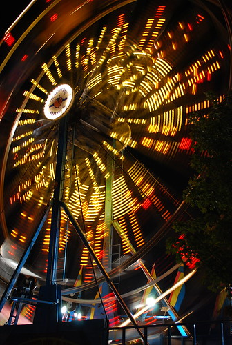 carnival motion yellow night georgia lights moving nikon roswell ferriswheel rides peachtree d80