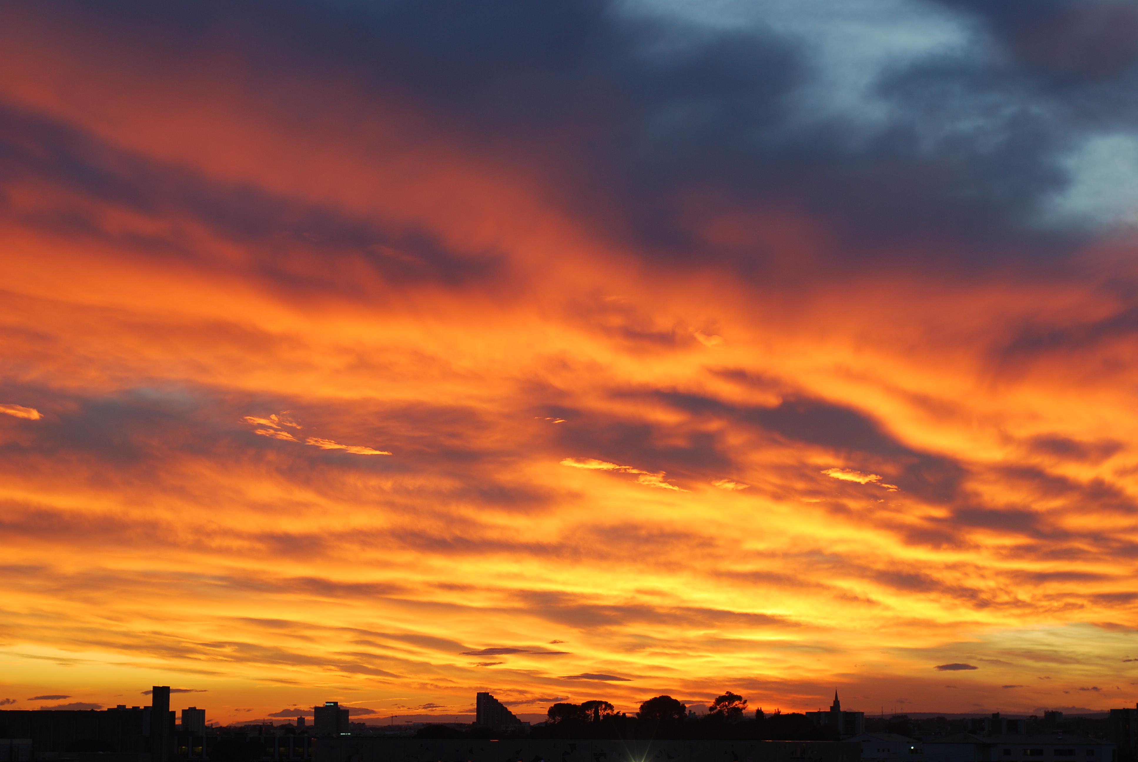 Coucher de soleil sur montpellier flickr photo sharing - Soleil zen montpellier ...