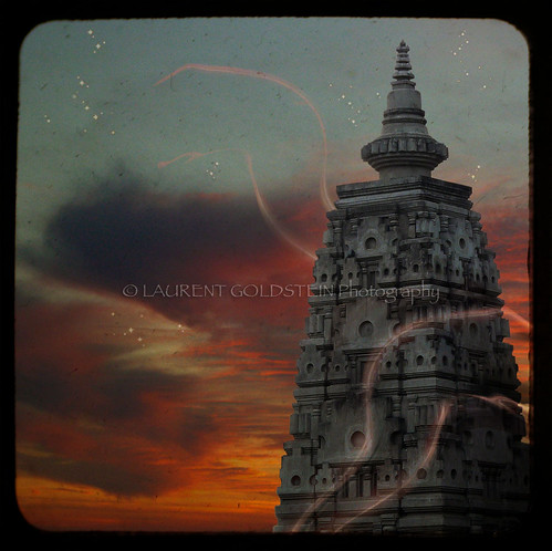 sunset sky india architecture temple colours buddha magic religion dream buddhism shanti bihar bodhgaya भारत indiasong aplusphoto theunforgettablepictures creattività