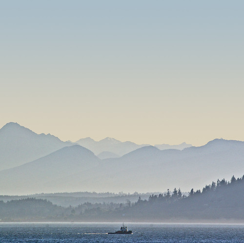 washington pacificnorthwest tugboat pugetsound washingtonstate edmonds olympicmountains platinumphoto saariysqualitypictures absolutelyperrrfect fromthebeachatedmonds lookingatkingston portofedmondspoe