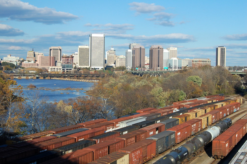 Richmond skyline overlooking train tracks. Skyline Richmond Virginia by Jim / CC BY-SA 2.0