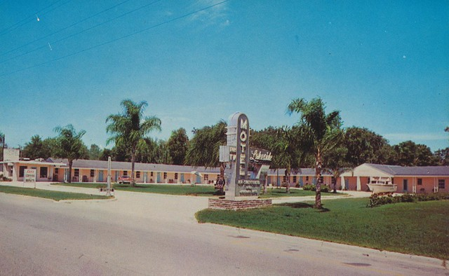 Lakeside Motel - Leesburg, Florida