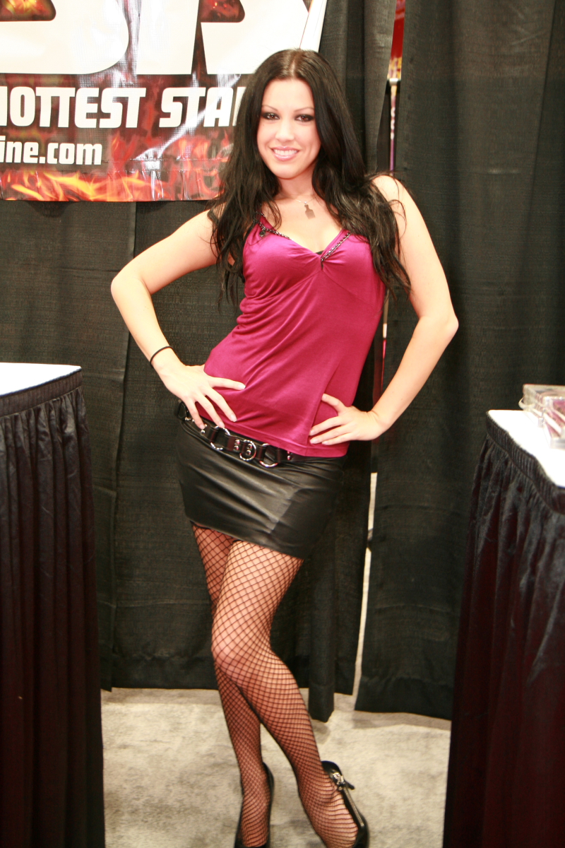 Roxy DeVille Nude Photos 58