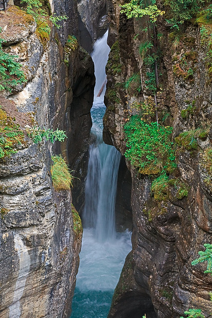 Maligne Canyon waterfall by CC user 34094515@N00 on Flickr