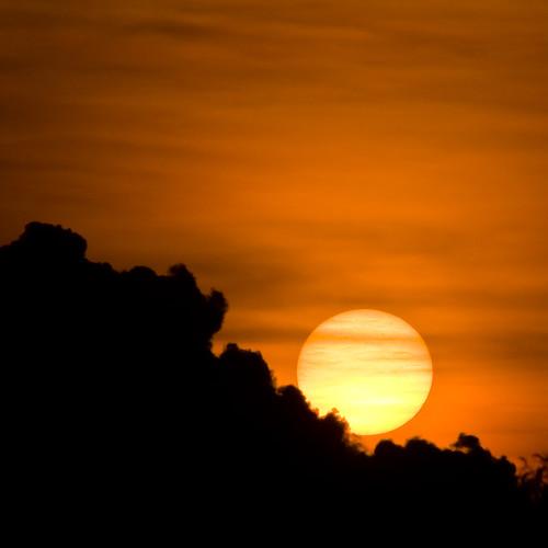 trip sunset orange cloud sun india clouds glow south may kerala 2008 squarecrop trivandrum southindia thiruvananthapuram ontripod kazhakootam canon40d keralatrip2008 kazhakuttam