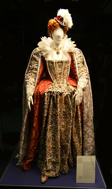 Costume Of Elizabeth I Costume Worn By Jane Lapotaire At