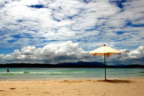 sky beach clouds nuvole mare explore cielo azzurro madagascar spiaggia oceanoindiano nosyiranja frontpageexplore6