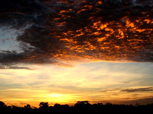 morning sky orange sun sunrise fire grey suriname sranan goldstaraward