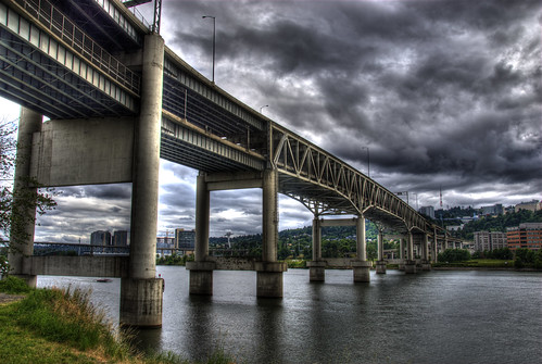water clouds oregon river portland highway explore pdx interstate willametteriver hdr marquambridge photomatix 200807 goldstaraward