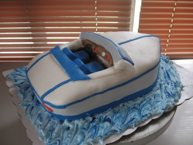Speed Boat Cake http://www.flickr.com/photos/30570125@N07/2902178414/