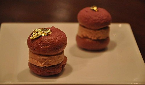 Sergio Herman's Beetroot Macarons with Foie Gras (round 2)