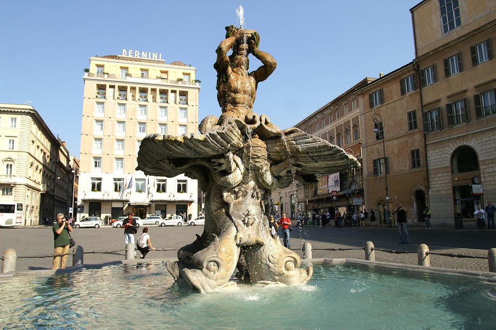 Fontana del Tritone, Palazzo Barberini