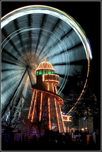 city winter ice night lights fairground cardiff winterwonderland vob
