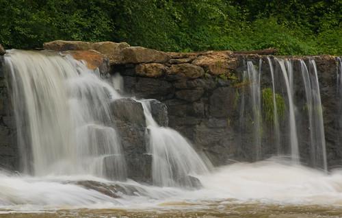 green water waterfall nc moss rocks dam northcarolina lincolncounty southmillsriver rockdam davidhopkinsphotography ncpedia