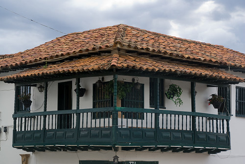 wood roof house corner colombia balcony colonial cable pot clay villadeleyva boyaca